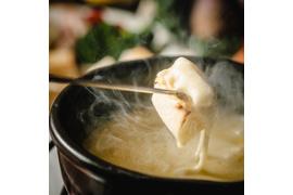 ③スイス産チーズフォンデュセット 4~6人前