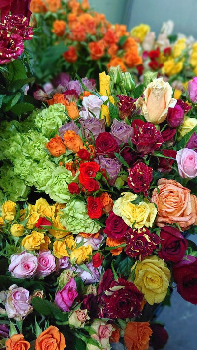 ミニ箱いっぱい切り花:3300円